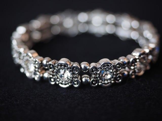 bracelet-671791_640